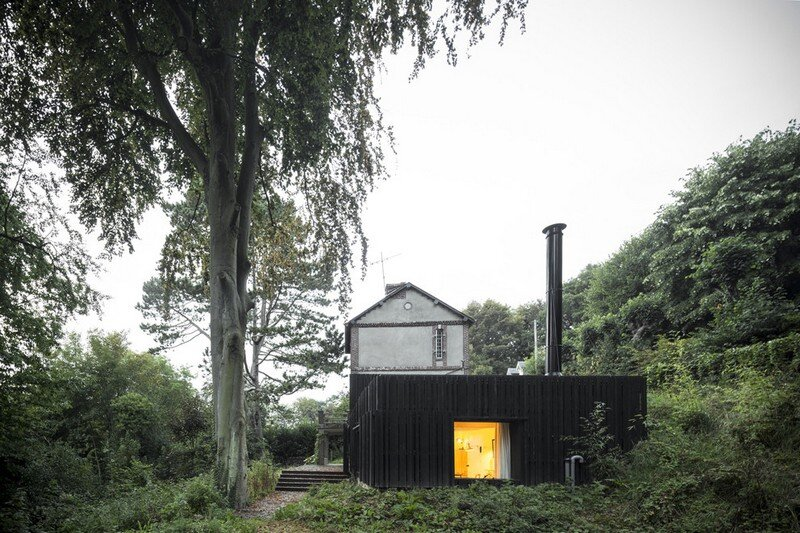 Black Wood House by Marchi Architectes (16)