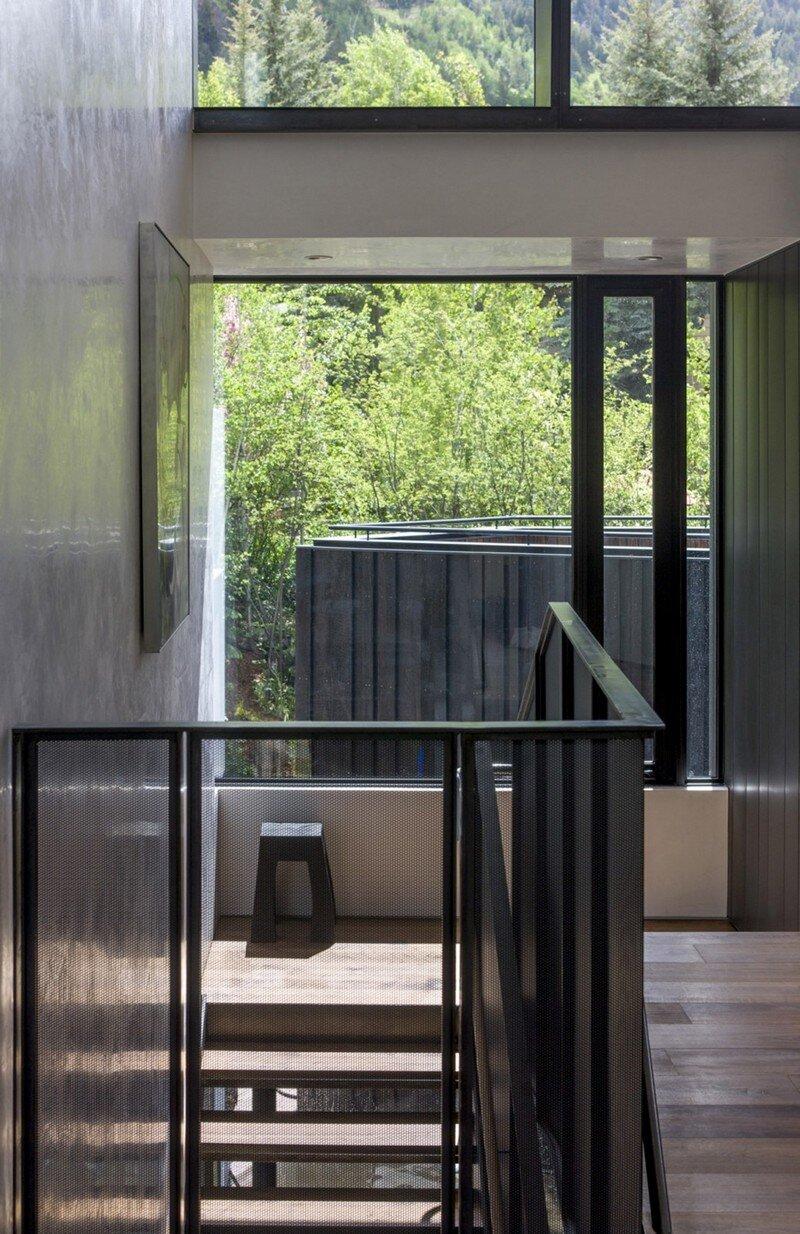 Blackbird House - Urban Mountain Retreat by Will Bruder Architects (13)