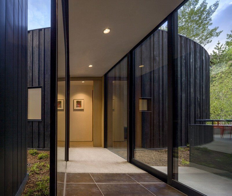 Blackbird House - Urban Mountain Retreat by Will Bruder Architects (16)