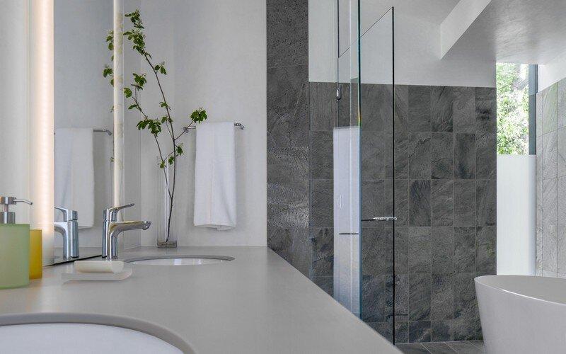 Blackbird House - Urban Mountain Retreat by Will Bruder Architects (19)