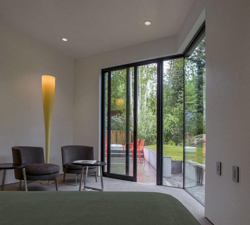Blackbird House - Urban Mountain Retreat by Will Bruder Architects (2)