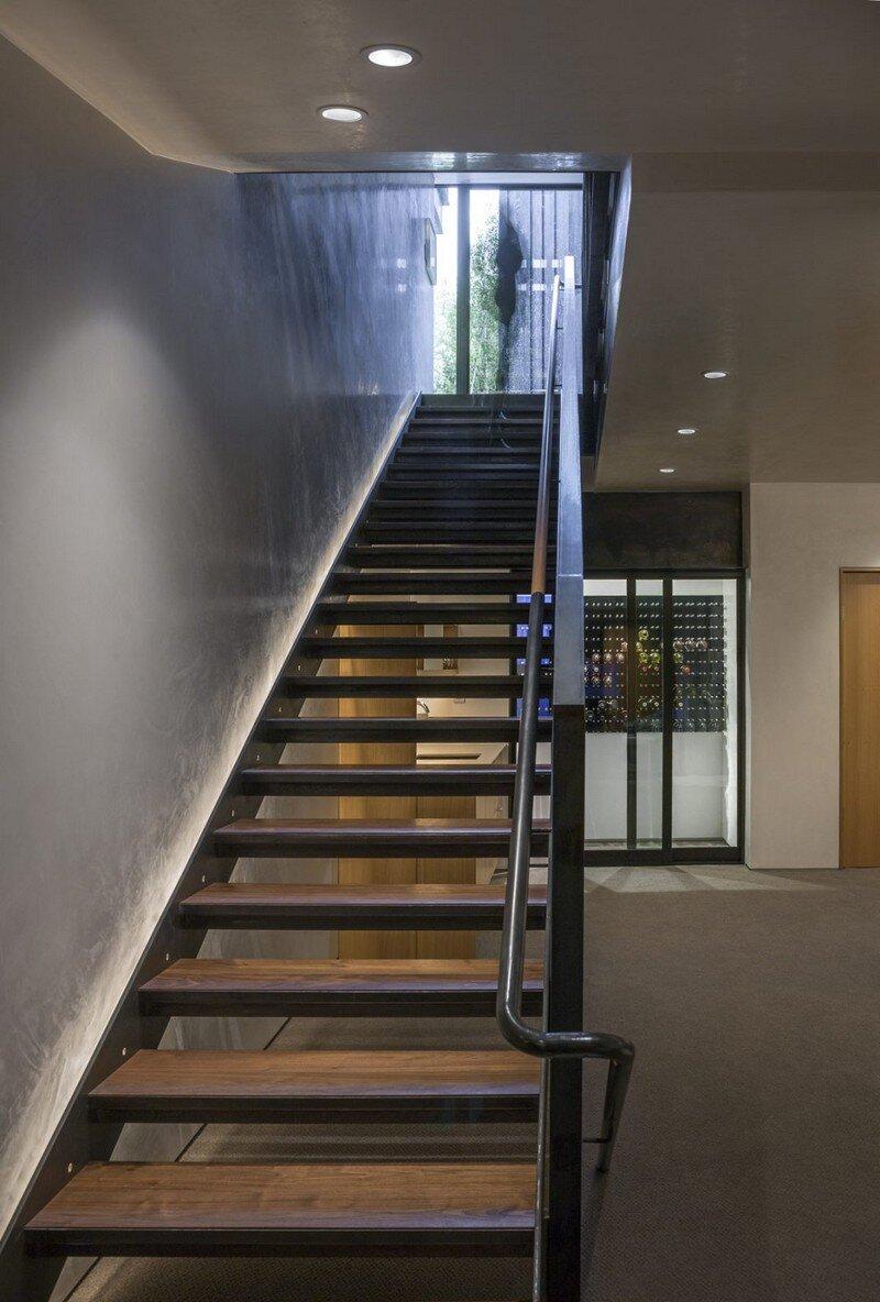 Blackbird House - Urban Mountain Retreat by Will Bruder Architects (6)