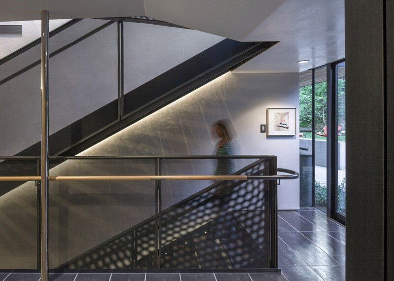 Blackbird House - Urban Mountain Retreat by Will Bruder Architects (9)