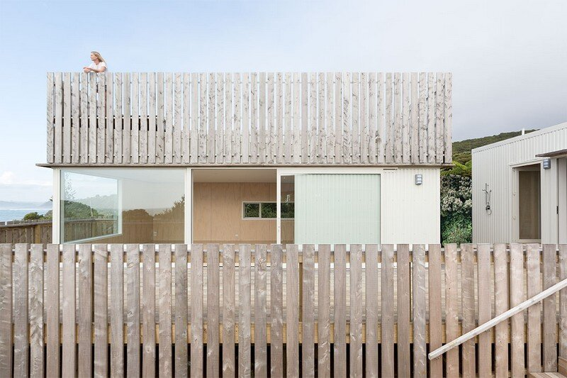 Crowsnest was Designed as a Home for Surfers Red Architecture (10)