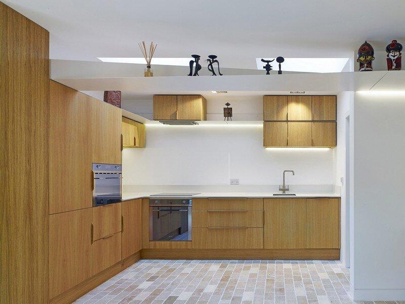 Garden House Under a 'Hanging-Basket' Roof Hayhurst (19)