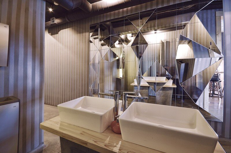 Gastroport Restaurant Designed with a Significant Industrial Footprint by Allartsdesign (25)