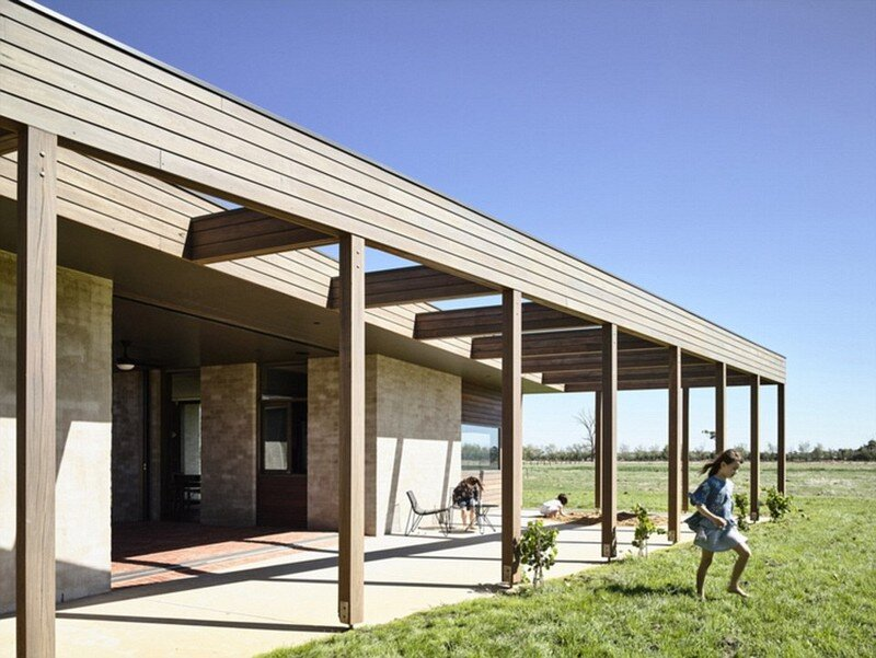 Goulburn Valley House by Rob Kennon Architects (6)