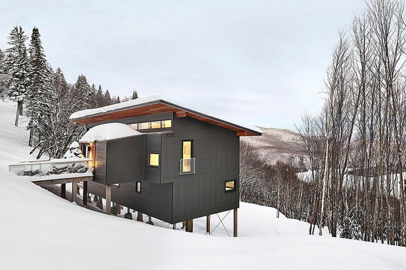 Laurentian Ski Chalet – Weekend Retreat Located on the Steep Slope of a Former Ski Hill