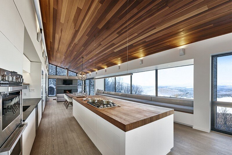 Laurentian Ski Chalet - Weekend Retreat Located on the Steep Slope of a Former Ski Hill (16)