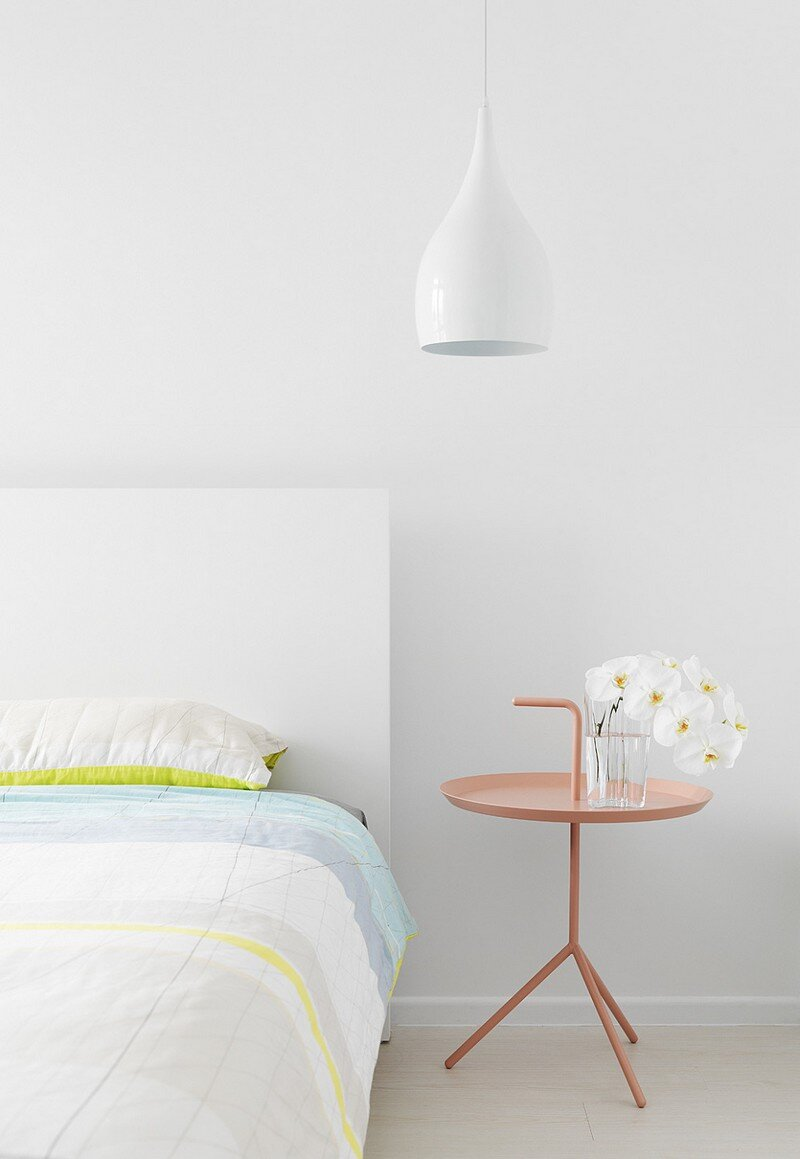 Minimalist White Apartment - Tsai Residence by Tai & Architectural Design (11)
