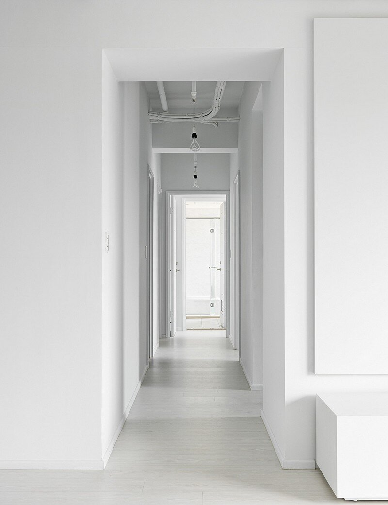 Minimalist White Apartment - Tsai Residence by Tai & Architectural Design (7)
