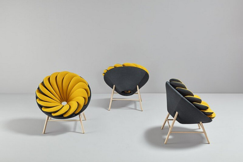Quetzal Armchair - 14 Overlapped Bicolor Pillows Creates an Amazing Visual Impact (2)