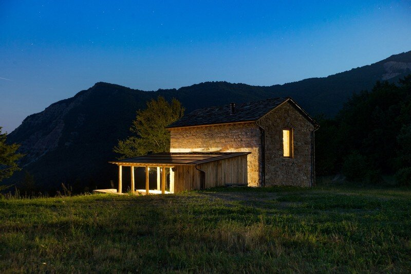 Restored Farm Building by Studio Contini (14)