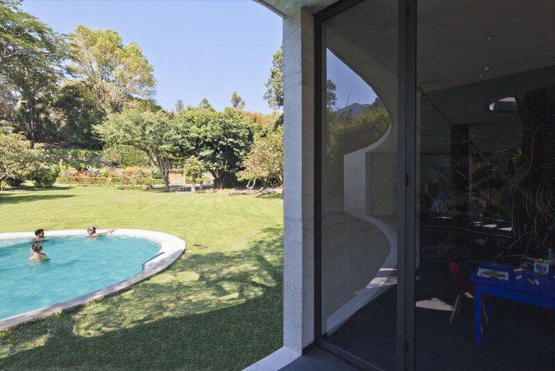 Tepoztlan Lounge - Modern Concrete Bungalow by Cadaval & Sola-Morales 1 (3)