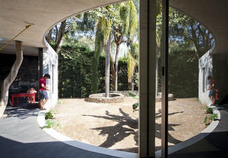 Tepoztlan Lounge - Modern Concrete Bungalow by Cadaval & Sola-Morales 1 (4)