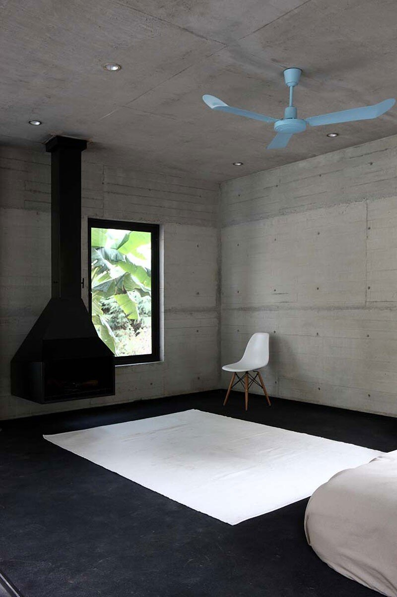 Tepoztlan Lounge - Modern Concrete Bungalow by Cadaval & Sola-Morales (12)