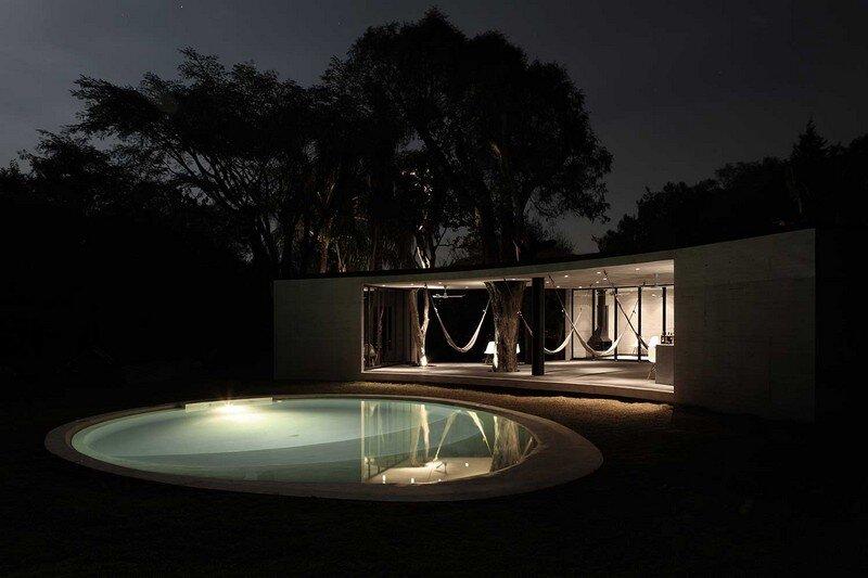 Tepoztlan Lounge - Modern Concrete Bungalow by Cadaval & Sola-Morales (8)