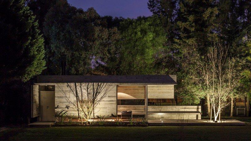 Torcuato House Pavilion by Besonias Almeida Arquitectos (11)