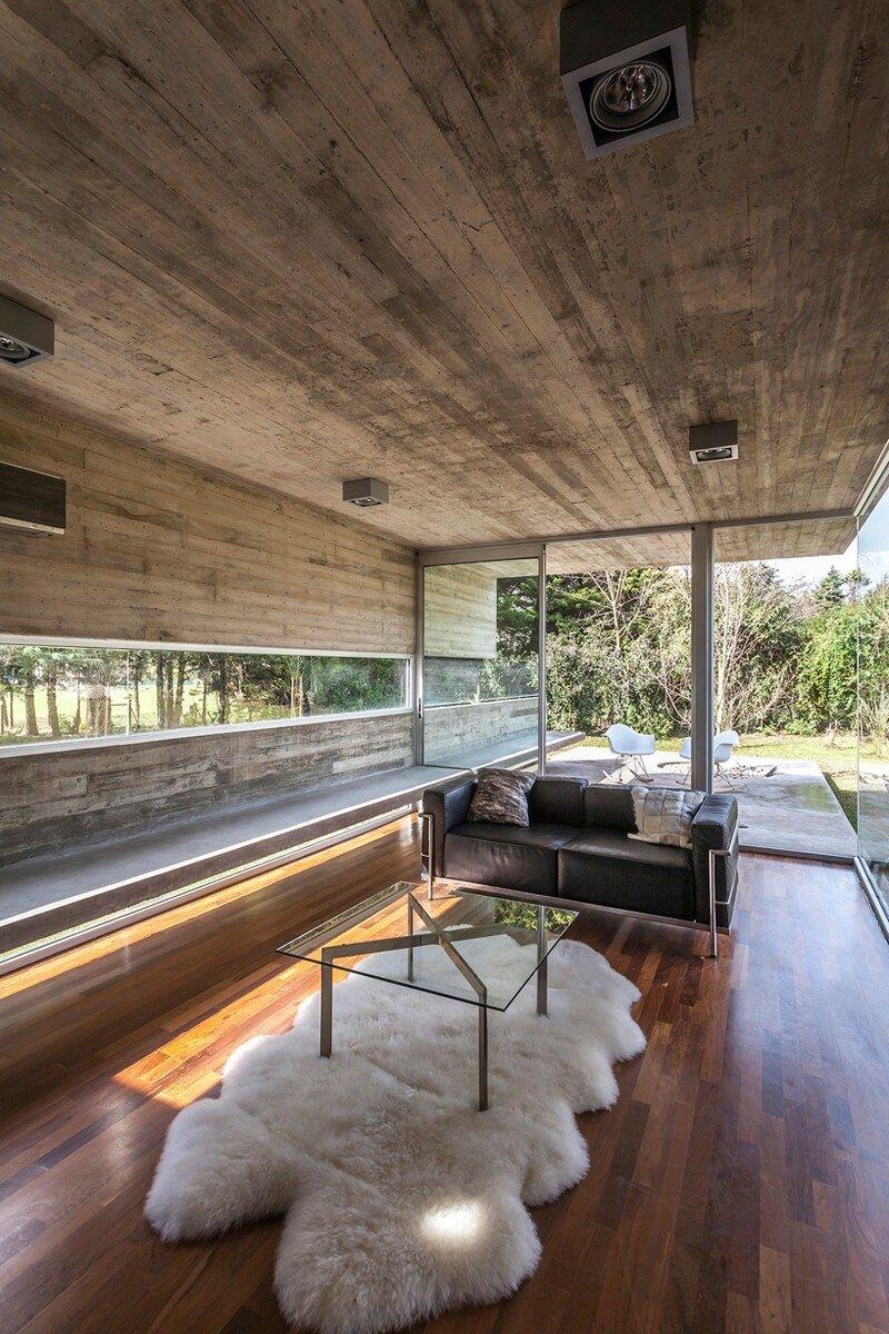 Torcuato House Pavilion by Besonias Almeida Arquitectos (12)