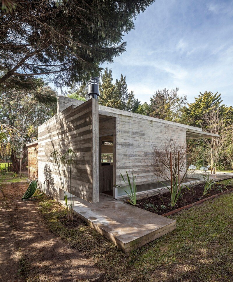 Torcuato House Pavilion by Besonias Almeida Arquitectos (13)