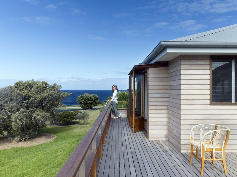 Whale Watching House by Dunn and Hill Architects