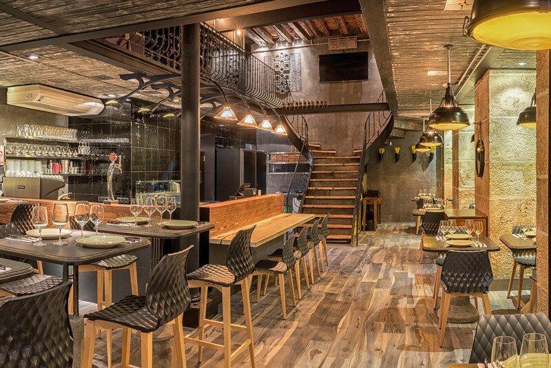 Coffee Grill Restaurant in Lisbon Yaroslav Galant