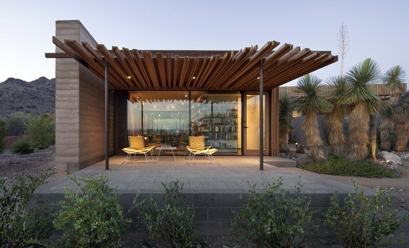 Desert Outpost in Paradise Valley / Jones Studio