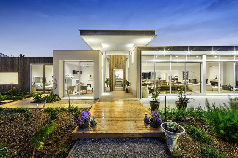 Eliza House – Innovative and Luxurious New Modern Residence