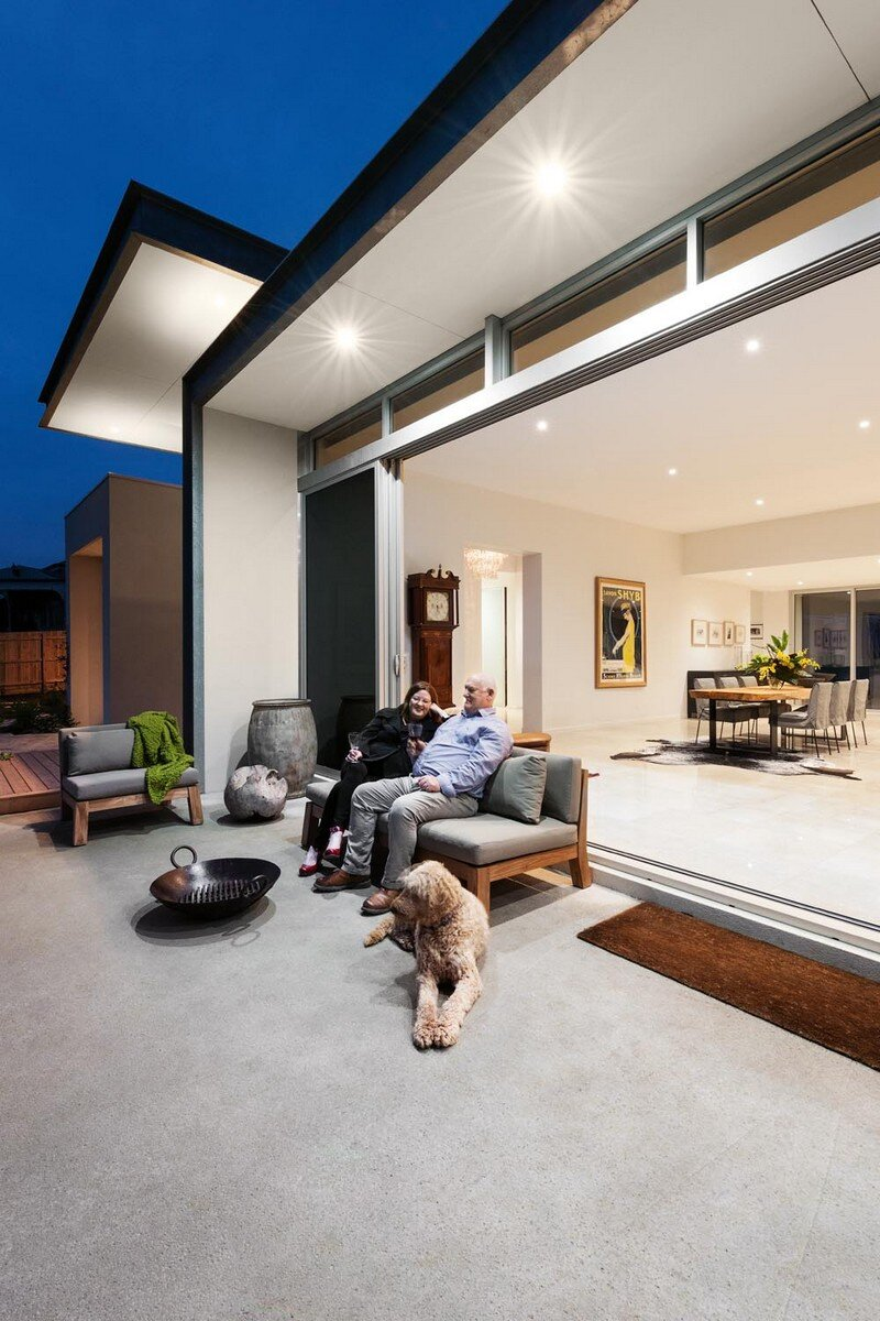 Eliza House - Innovative and Luxurious New Modern Residence by MRTN Architects 12