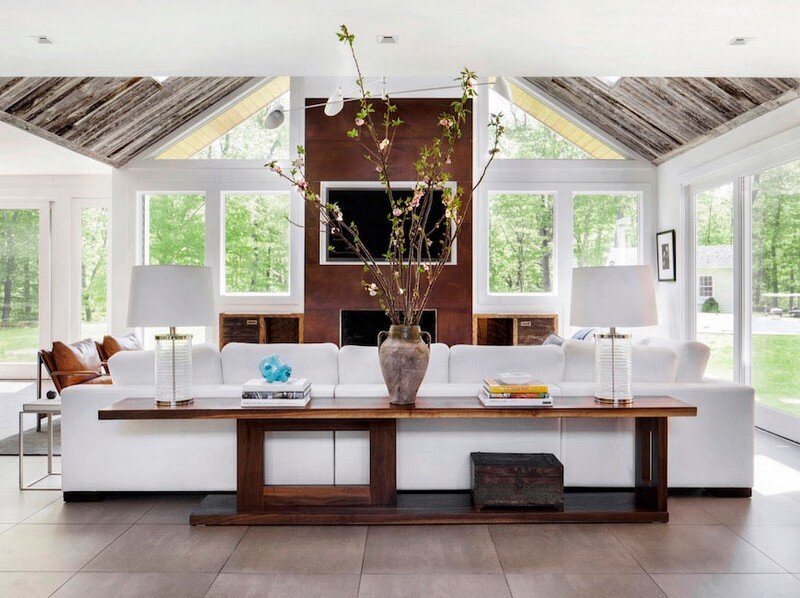 Greenwich Estate – Decor Aid Reimagine a 1970s-era New England Colonial