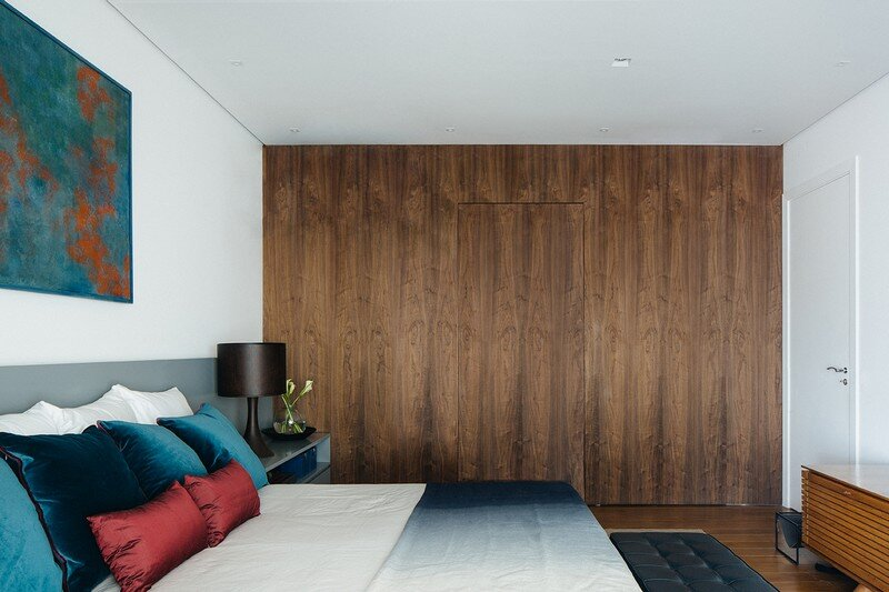 Ibirapuera Apartment - Mix of Contemporary and Brazilian Modern Classics 17