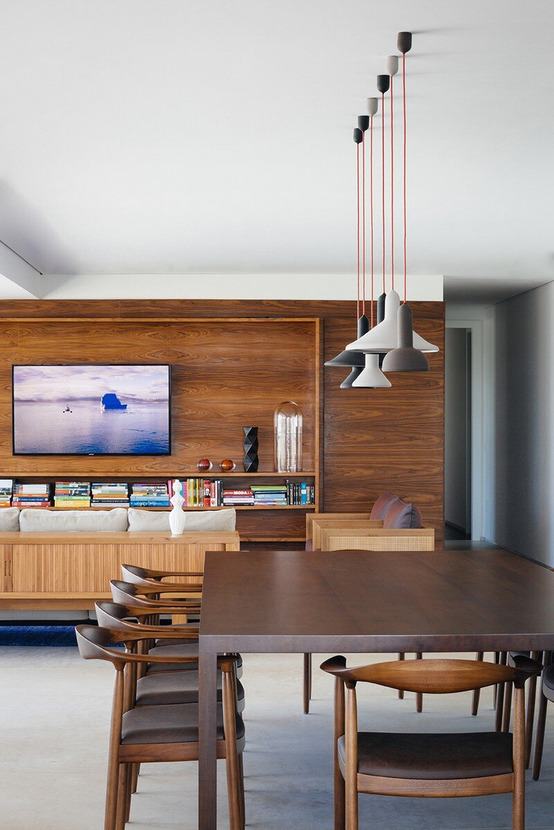 Ibirapuera Apartment - Mix of Contemporary and Brazilian Modern Classics 4