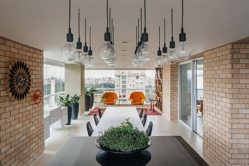 Ibirapuera Apartment - Mix of Contemporary and Brazilian Modern Classics 11