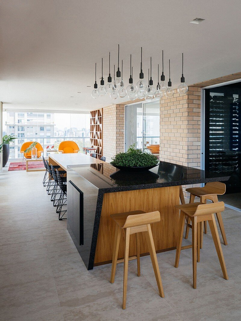 Ibirapuera Apartment - Mix of Contemporary and Brazilian Modern Classics 12