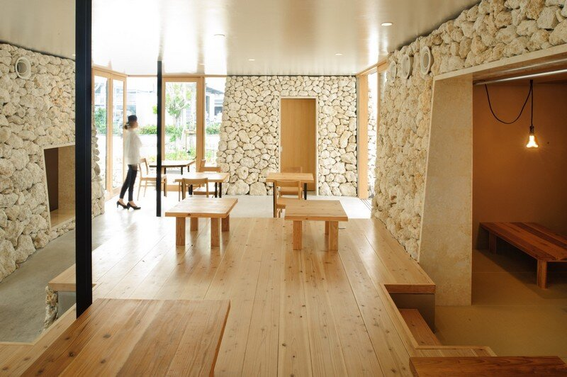 Itoman Gyomin Shokudo - A Restaurant Covered with Coral Limestone (4)