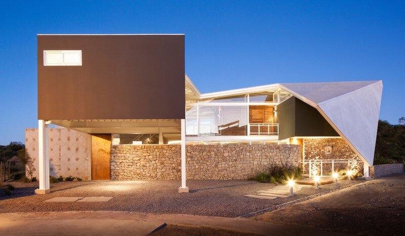La Piscucha House in San Salvador / Cincopatasalgato 2