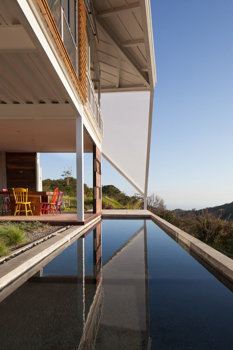 La Piscucha House in San Salvador / Cincopatasalgato 12