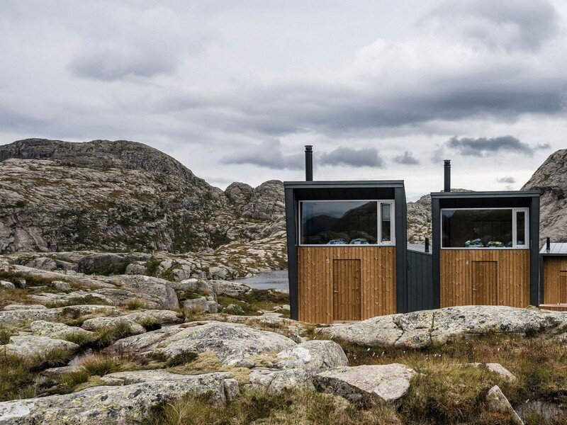 Modern-weatherproof-lodges-on-the-rogaland-hiking-trail-10