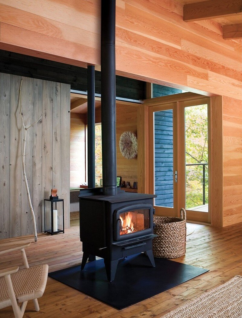 Off-the-Grid Cottage Nature-Inspired Retreat in Haliburton Highlands 4