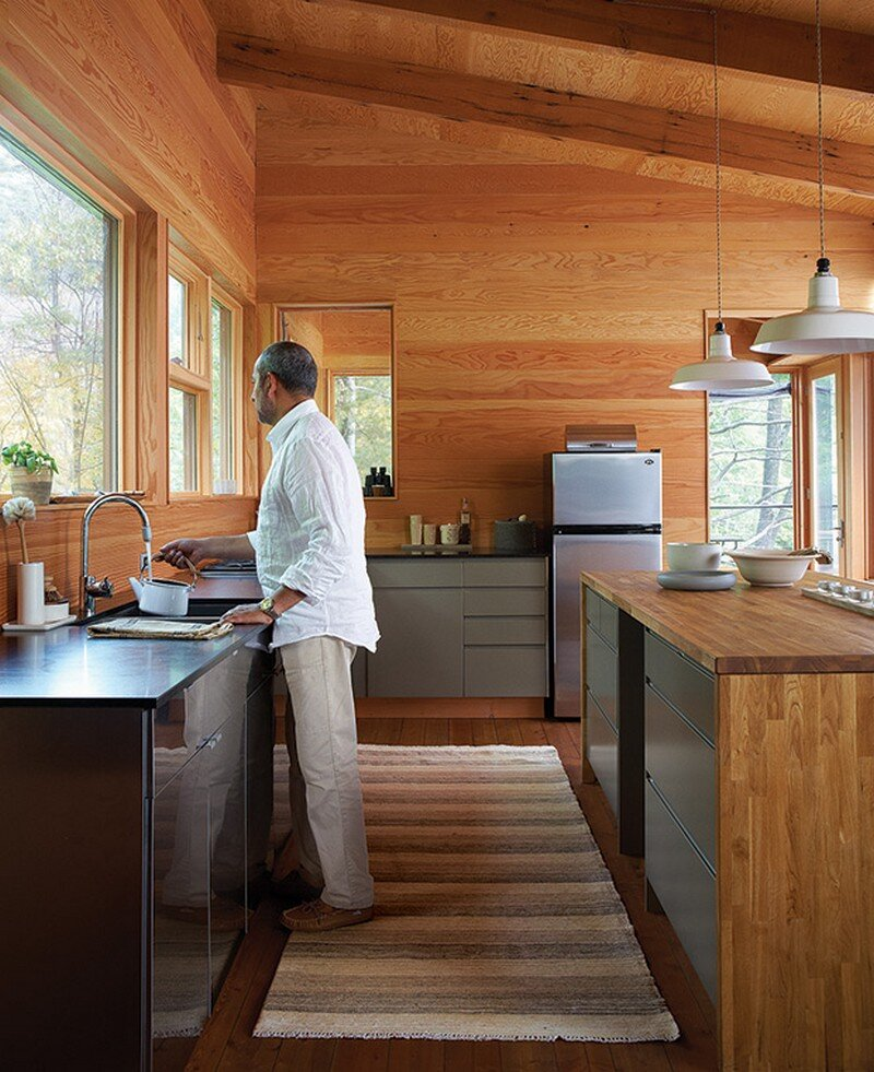 Off-the-Grid Cottage Nature-Inspired Retreat in Haliburton Highlands 8