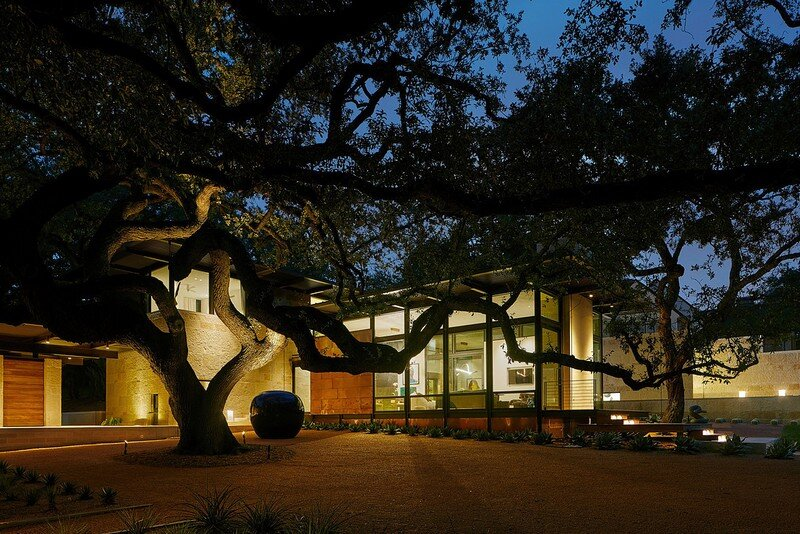 Olmos Park Residence by LakeFlato Architects (11)