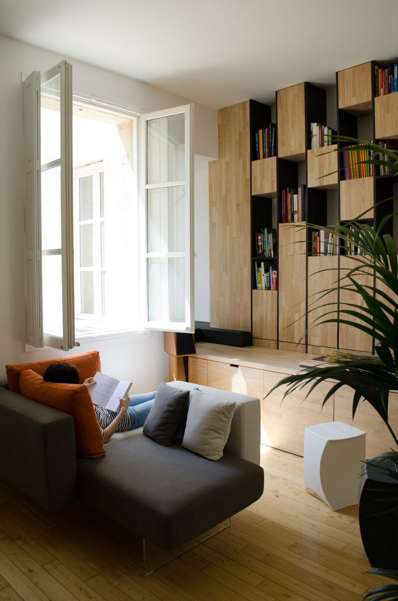 Small Bordeaux Apartment Revealing a Good Space Distribution