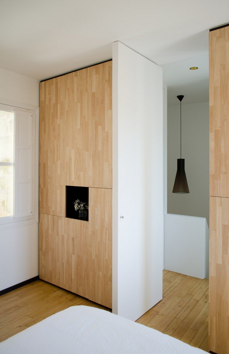 Small Bordeaux Apartment Revealing a Good Space Distribution 14