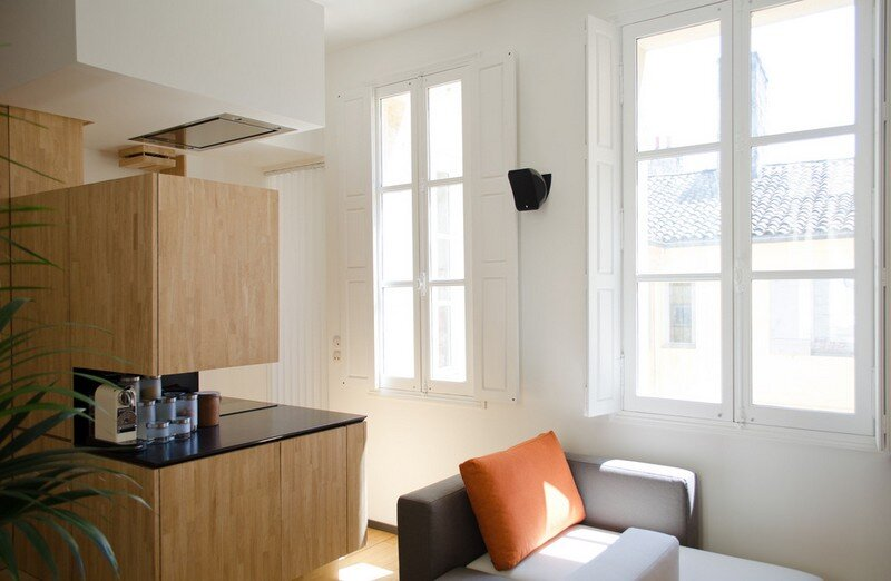 Small Bordeaux Apartment Revealing a Good Space Distribution 8