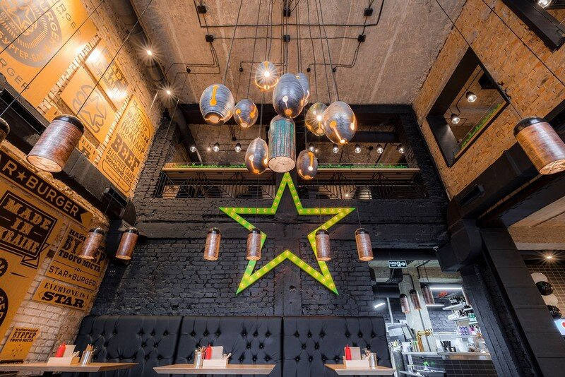 Star Burger - Classic American Bar Atmosphere in the Center of Kyiv 2