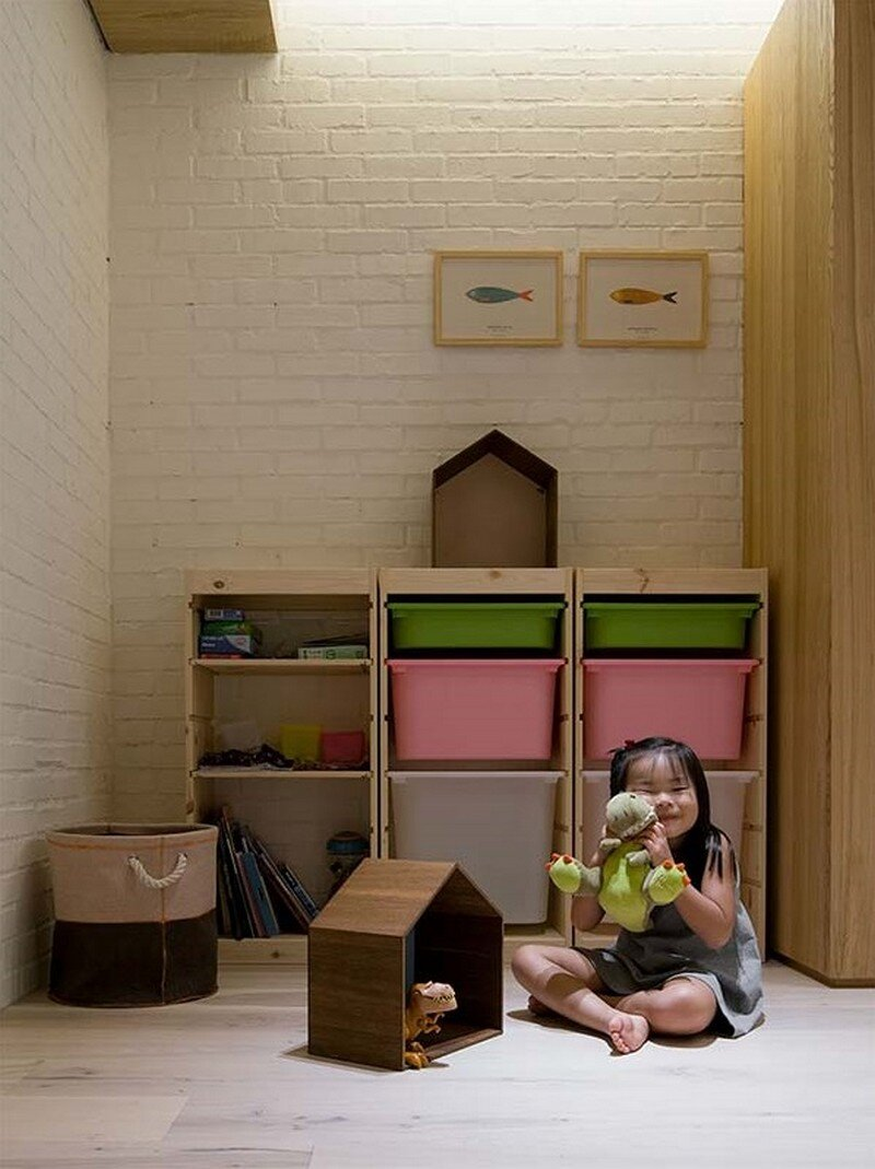 Taipei Open Flat - Wood Beams, Redbrick, and Concrete for a German Lifestyle 15