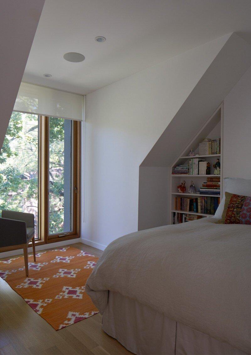 Three Dormer House in Toronto Superkul (15)