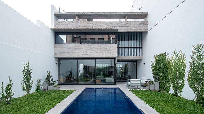 Two Houses Conesa in Buenos Aires / Besonias Almeida
