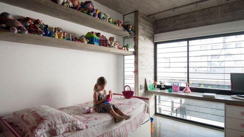 Two Houses Conesa in Buenos Aires / Besonias Almeida 14
