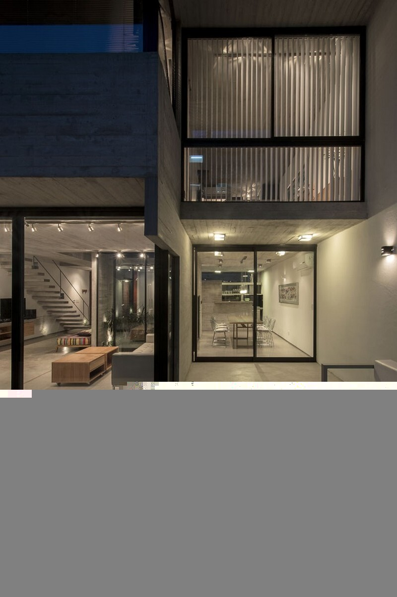 Two Houses Conesa in Buenos Aires / Besonias Almeida 20